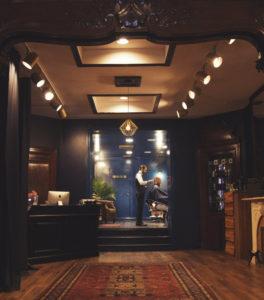 Maison Cloakroom Barbershop