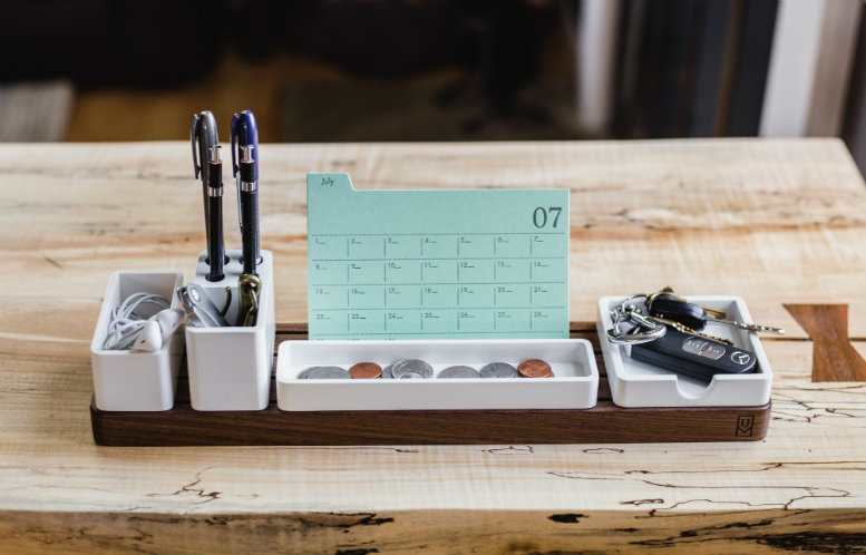 Calendar and items standing on a desk