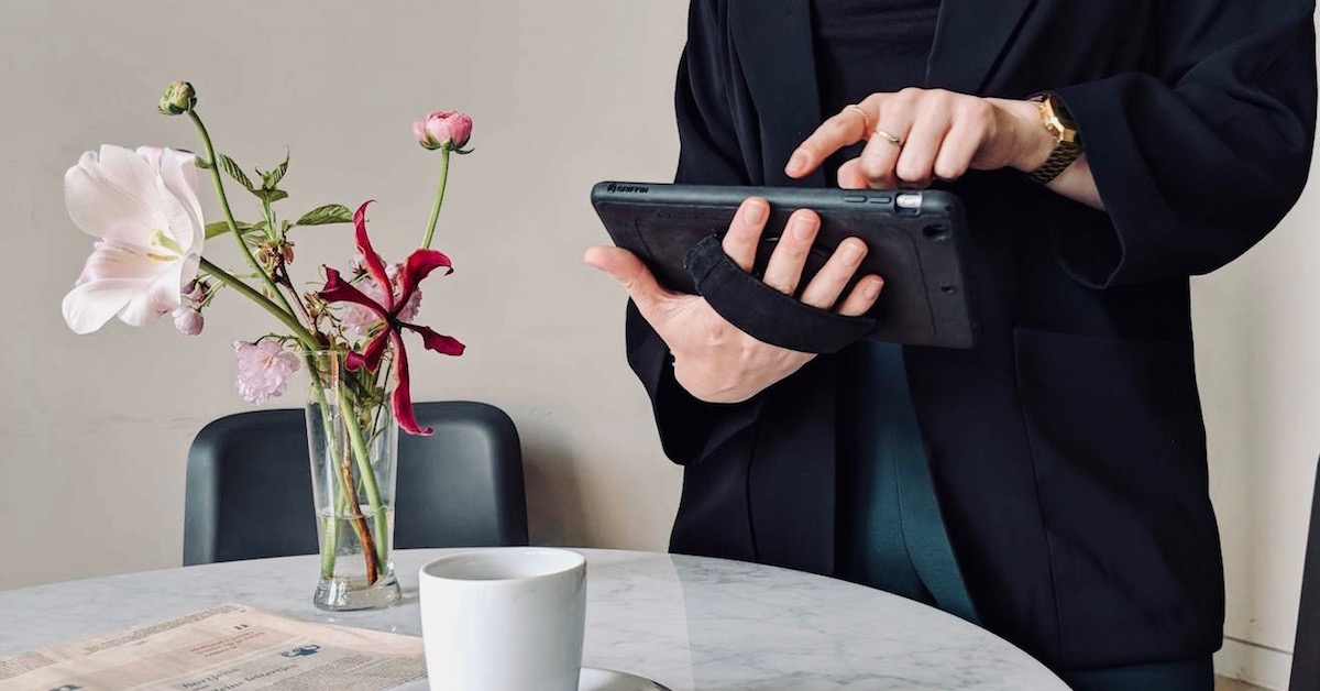 Server holding iPad