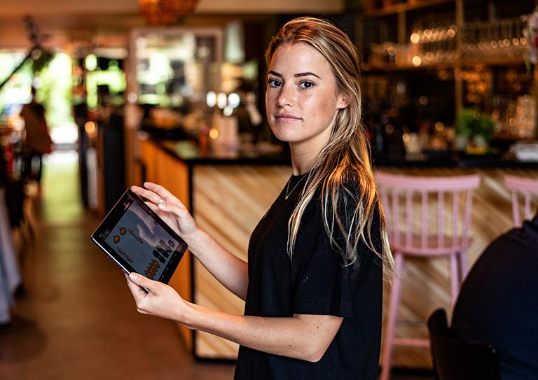 使用易于使用的iPad POS系统进行移动